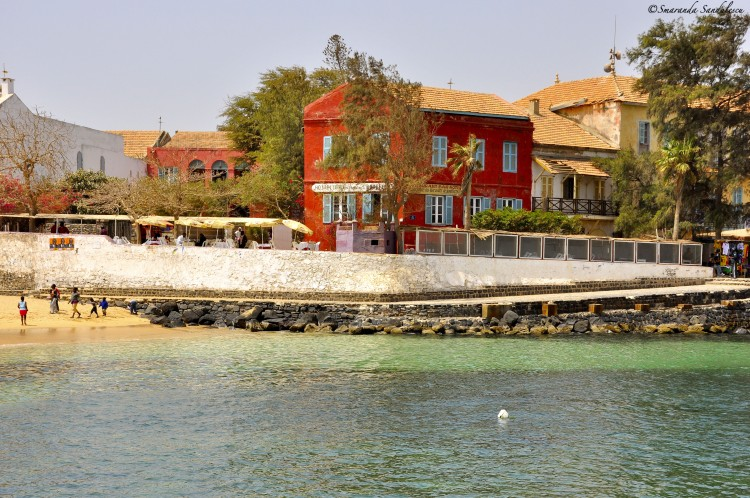 L'Île de Gorée- témoigne d'une expérience humaine sans précédent dans l'histoire des peuples.